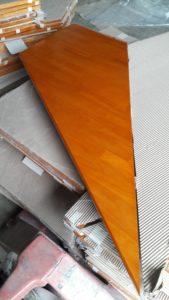 บันไดไม้อัดประสานทำสีสำเร็จ รูปทรงรูปว่าว